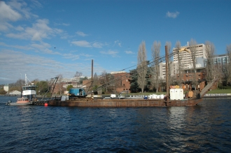 barge at montlake cut